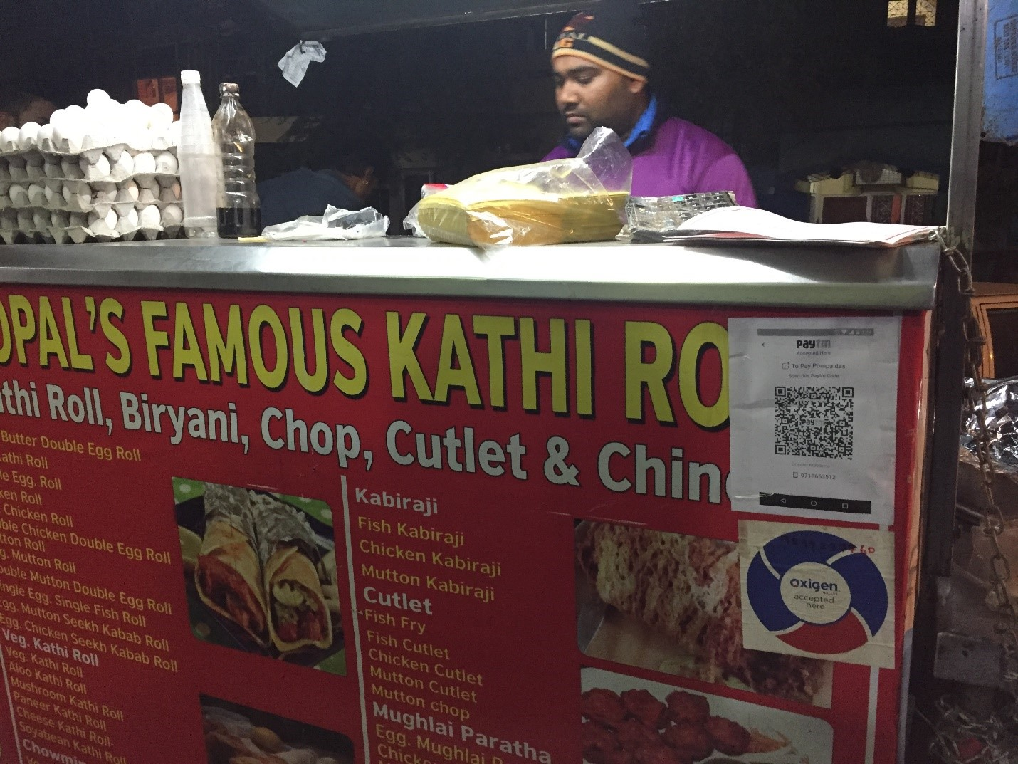 A vendor in India uses Paytm