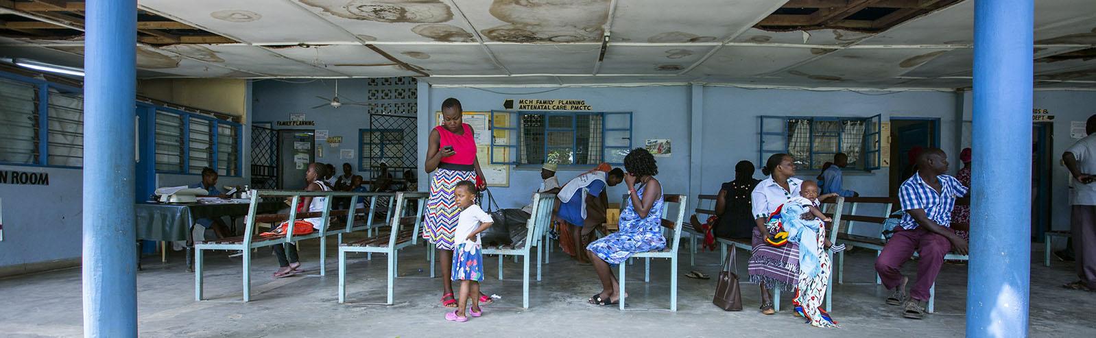 Free maternity care clinic in Mombasa, Kenya. Credit: Arete / Albert Gonzalez Farran for HP+, Flikr
