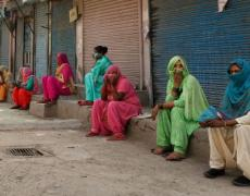 An image of a group of women in India wearing masks.