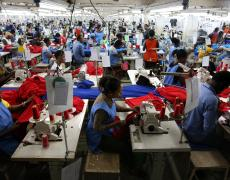 Factory workers in Accra, Ghana. Photo by Dominic Chavez/World Bank